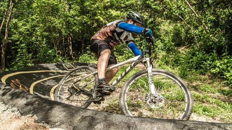 Como escolher a bike ideal para pedalar em trilhas?